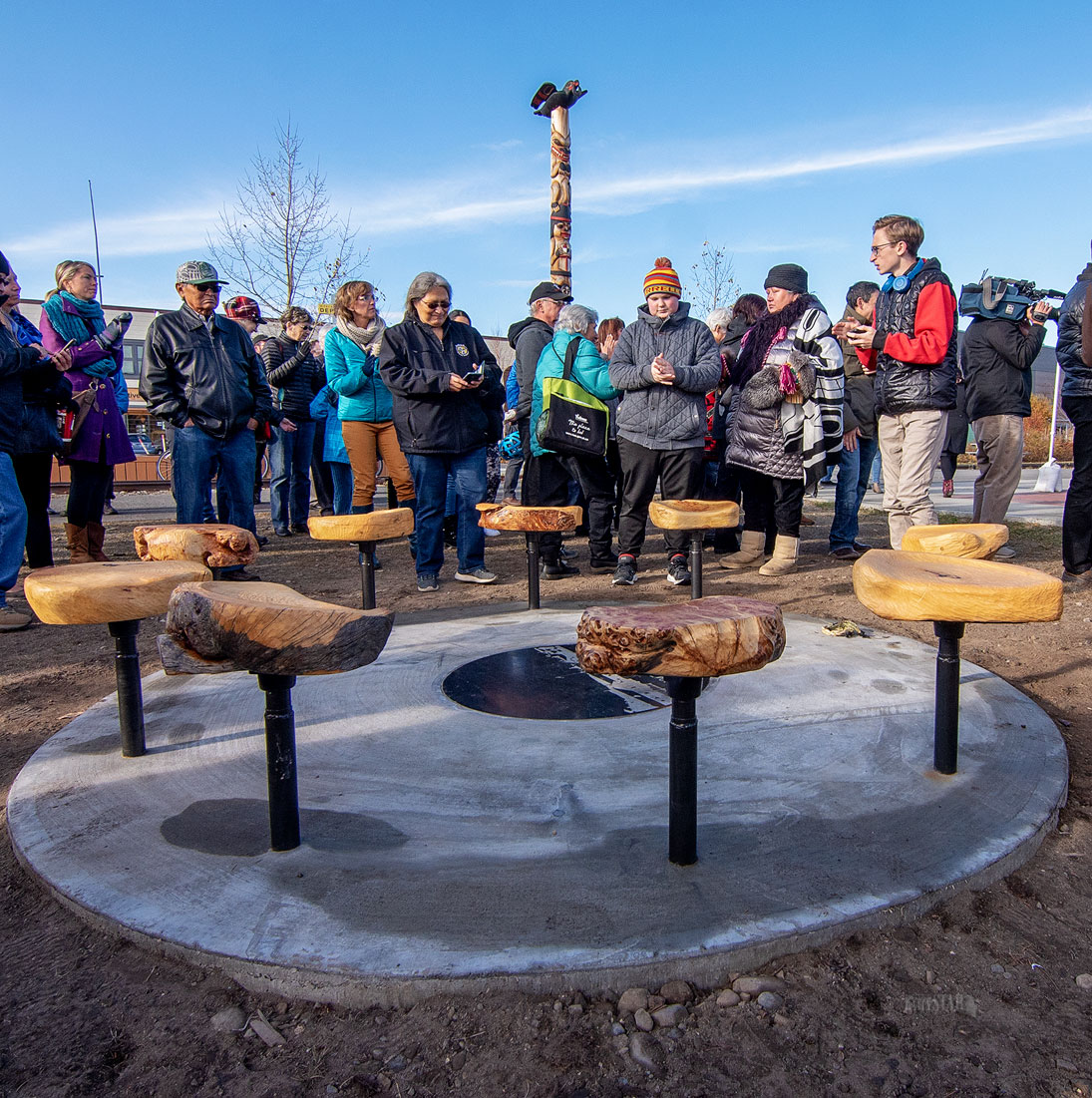 MONUMENT HONOURS FORMER STUDENTS