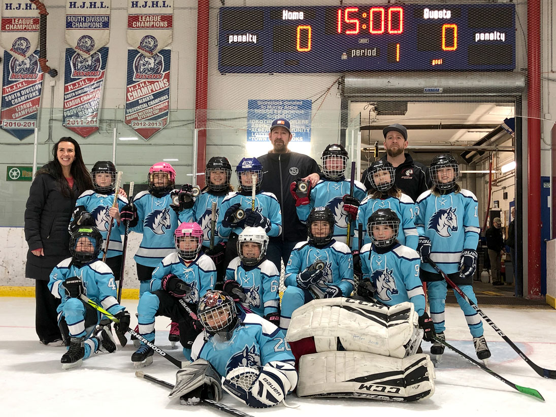 Female Mustangs bring home gold - Whitehorse Star
