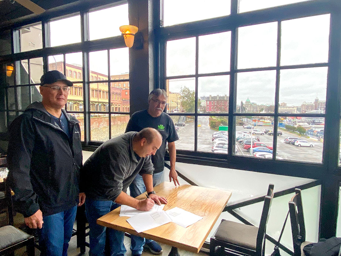 Agreement preserves salmon research